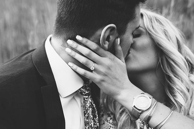 bride-2607219_640